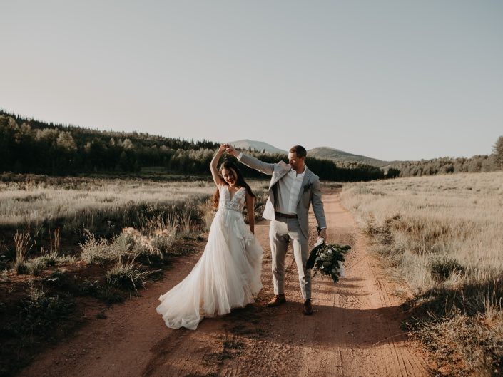 Steven + Liz's Intimate Mountain Airbnb Wedding